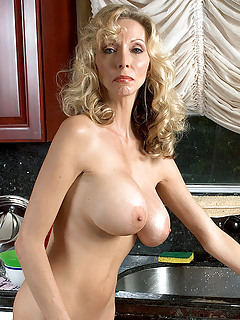mature milf porn galleries Tons of hot Matures Porn Pictures are  waiting for you.